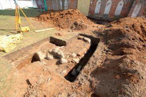 Archeologai tiksliai nustatė senosios akmeninės tvoros buvimo vietą.
