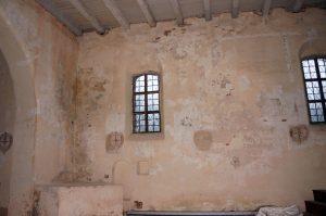 Išlikusių bažnyčios senų bei naujų elementų visuma ir lemia, kad bažnyčioje matome lyg ir gotiką, lyg ir baroką, taip pat tarpukario remontus ir XX a. vidurio restauraciją.