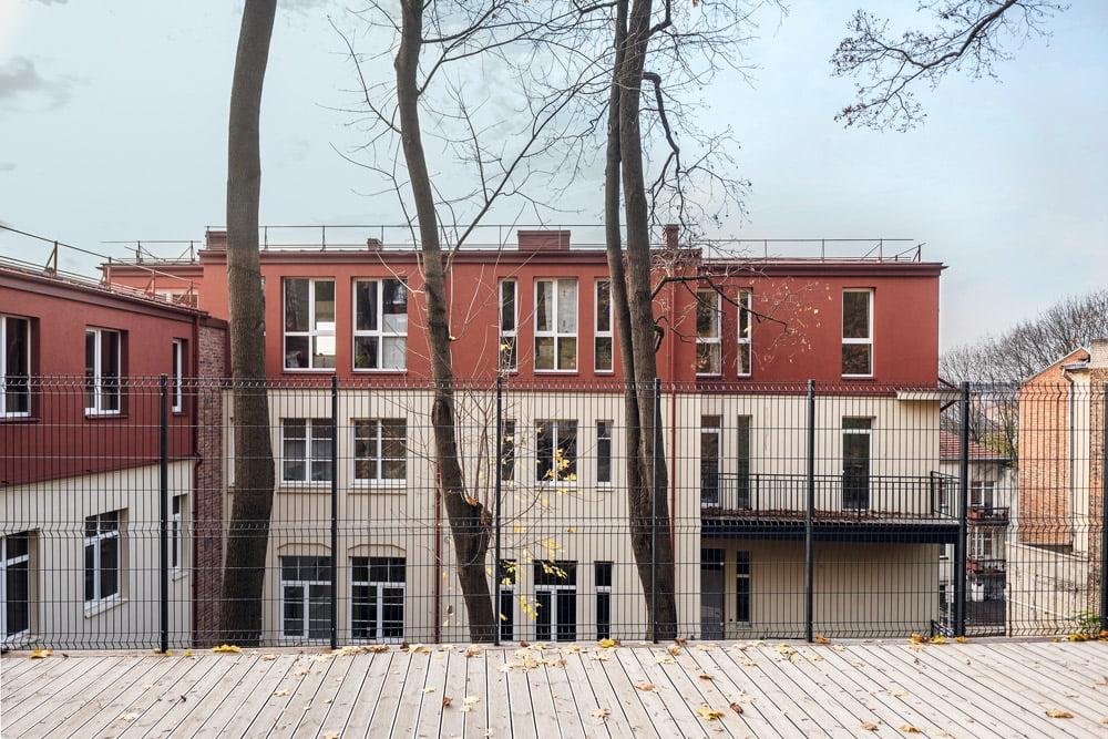Per rekonstrukciją pavyko išsaugoti ir eksponuoti visus fasado puošybos elementus. Luko Mykolaičio nuotr.