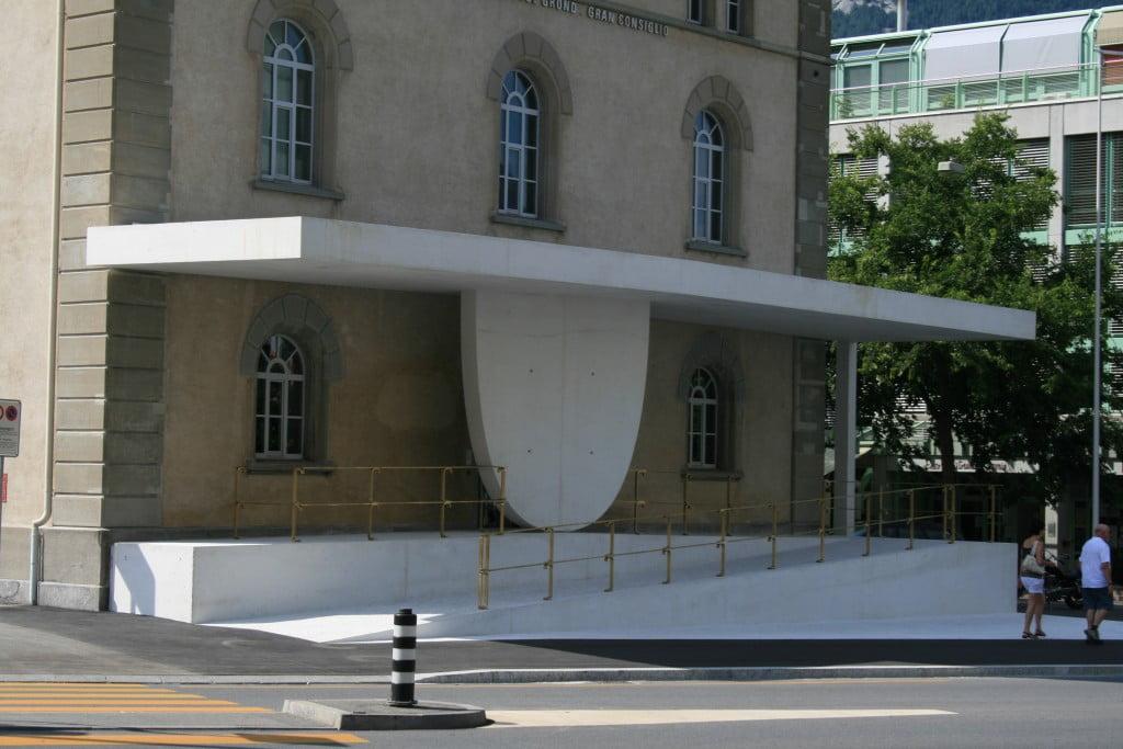 Nestandartinė architektūra