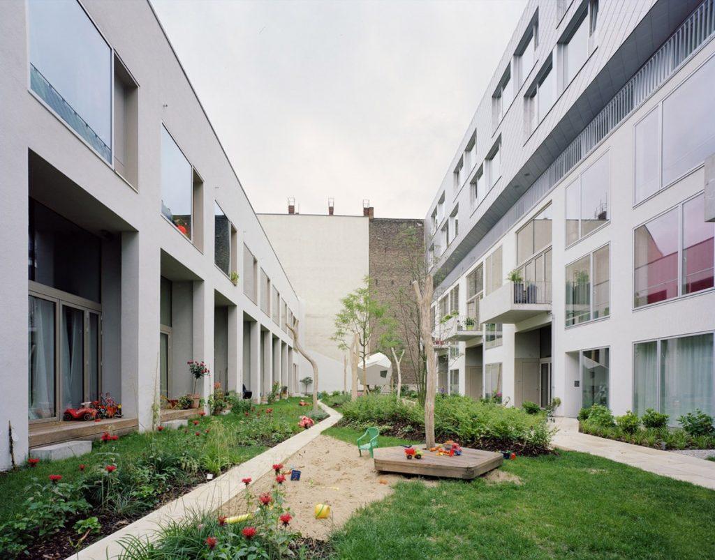"Daugiabutis ""BIGyard"" Prenzlauerbergo rajone, Berlyne (arch. ""Zanderroth architekten""). Simon Menges nuotr."