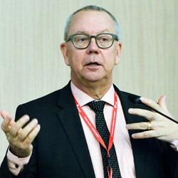Larsas Ekmanas.