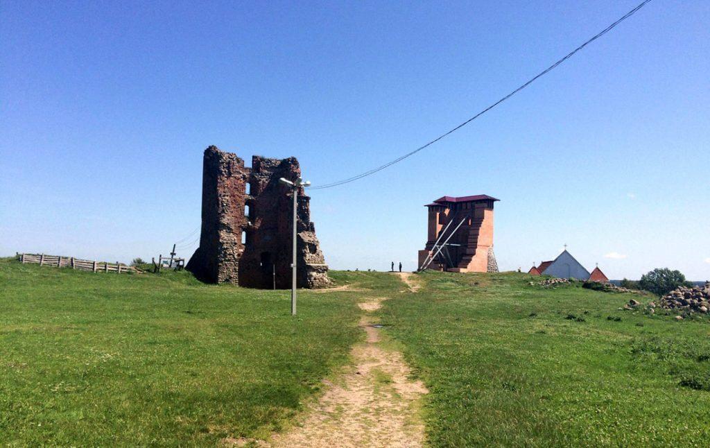 Naugarduko pilies griuvėsiai Baltarusijoje. Anželikos Vėžienės nuotr.
