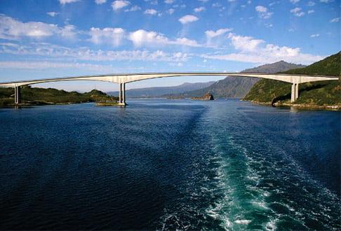 Raftsundo tiltas Norvegijoje (3a pav.).