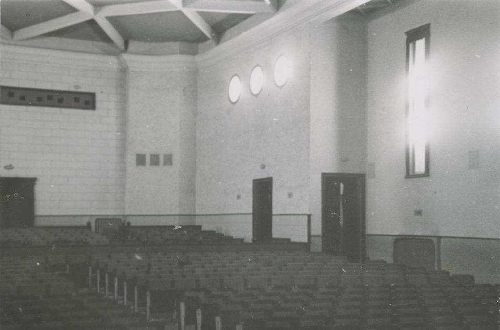 """Originalus kino teatro """"Romuva"""" interjeras.  Lietuvos muzikos, teatro ir kino muziejaus archyvo nuotr."""