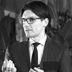 Vaidas AUGUSTINAVIČIUS, Vyriausybės kanceliarijos Strateginių kompetencijų grupės vyriausiasis patarėjas.