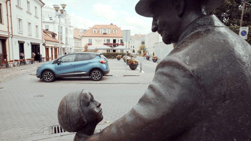 Skulptoriaus Romualdo Kvinto sukurtas paminklas Cemachui Šabadui. Kosto Kajėno nuotr.