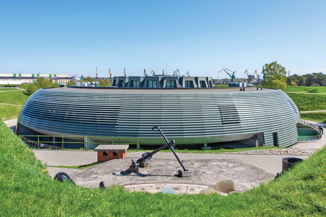 Jūrų muziejaus Klaipėdoje rekonstrukcija (2007–2018 metai, projektas parengtas su architektais V. Lukoševičiumi ir V. Griciumi).
