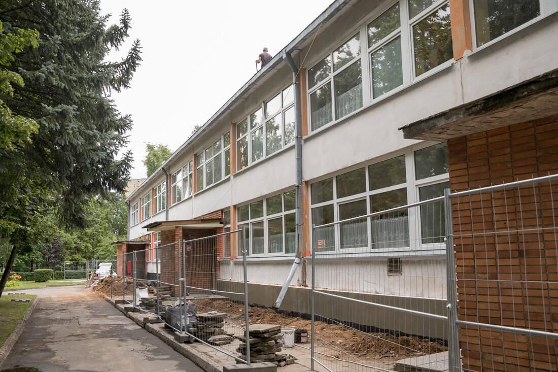 Renovuojamose mokyklose