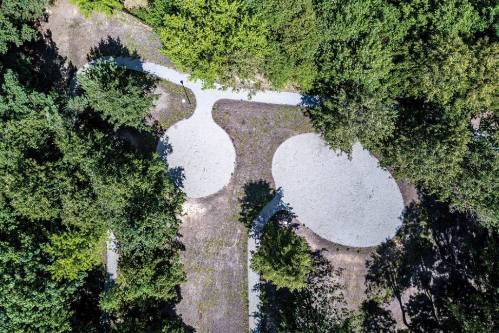 Gyvenimasis namas bus apsuptas 50 arų ploto Peteliškių parku. Beno Šileikos nuotr.