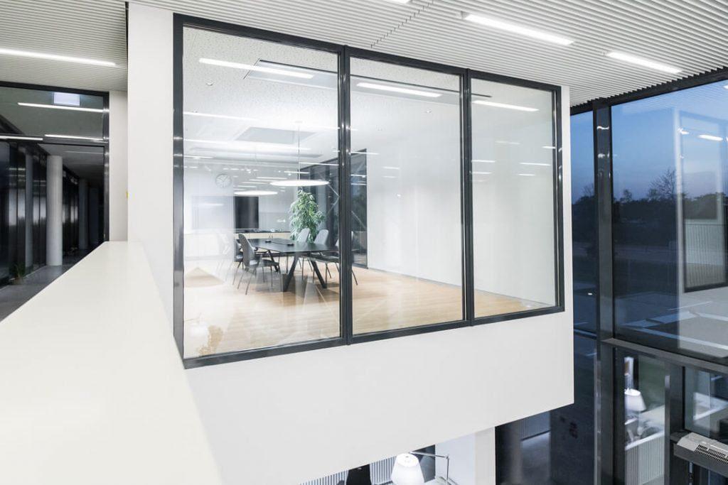 """Biuras suskirstytas į dvi dalis – viena paskirta administracijos, dizaino ir pardavimo skyriui, kita – gamybos. """"Kopos"""" nuotr."""