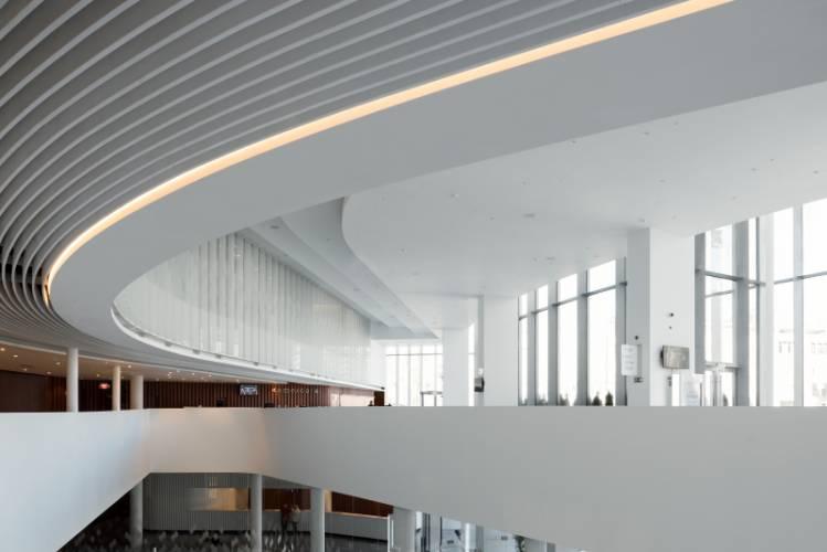 HIMACS lietas dirbtinis akmuo fasadai dizainas interjeras viesoji erdve koncertu sale 2