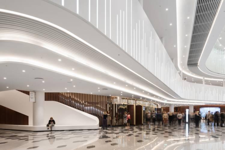 HIMACS lietas dirbtinis akmuo fasadai dizainas interjeras viesoji erdve koncertu sale