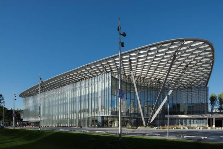 HIMACS lietas dirbtinis akmuo fasadai dizainas viesoji erdve stilius koncertu sale