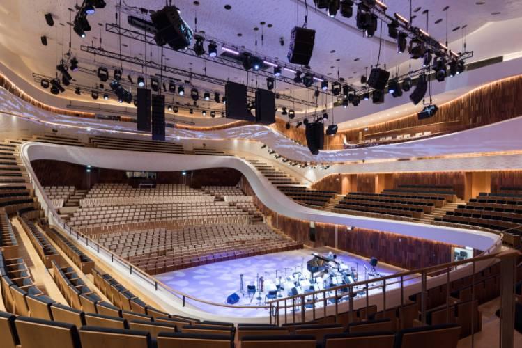 HIMACS lietas dirbtinis akmuo interjeras dizainas viesoji erdve koncertu sale