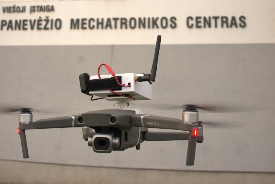 dronas oro tarsa