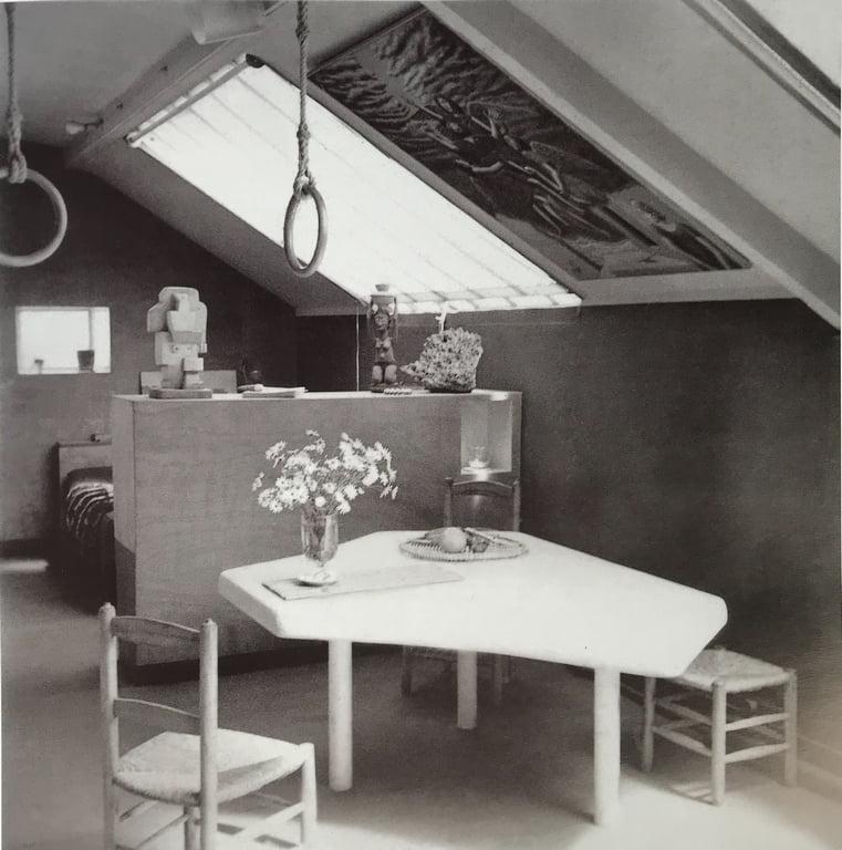 "Stalas ""Table en forme"", 1938"