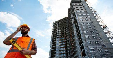 Kas lemia skirtingą NT ir statybos bendrovių elgseną karantino metu?