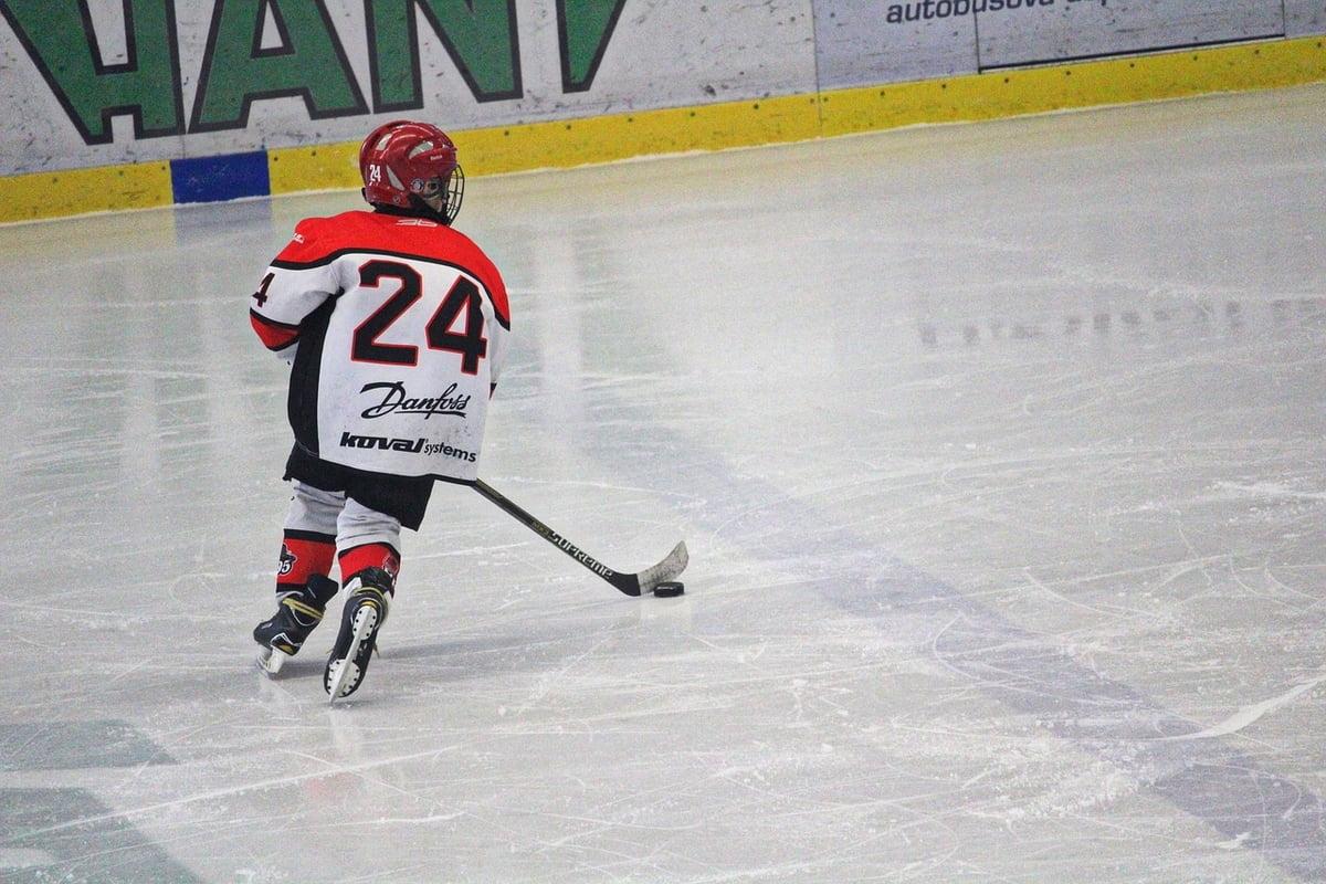 hockey 3942842 1280
