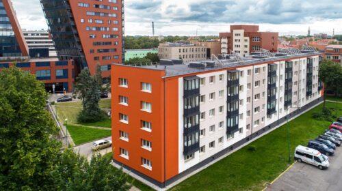 """UAB """"Progresyvūs projektai"""" renovuotas daugiabutis Klaipėdoje."""