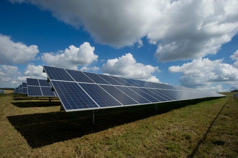 saulės elektrinės saulės jegainės vilniaus vandenys žalioji energetika
