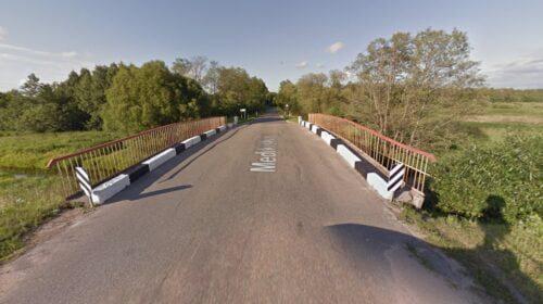 Tiltas per Riešės upę.