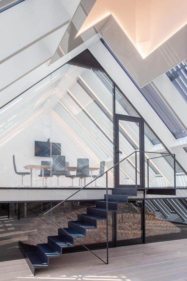 boksto skveras laiptai biuras
