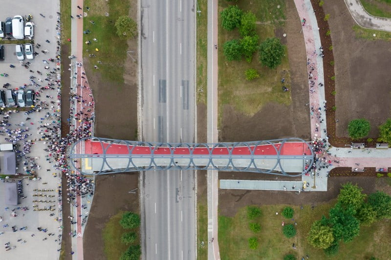 jonava pesciuju tiltas is paukscio skrydzio dronas jonava