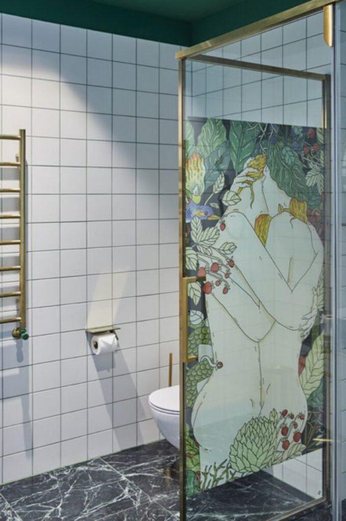 tualetas vonios kambarys modernu