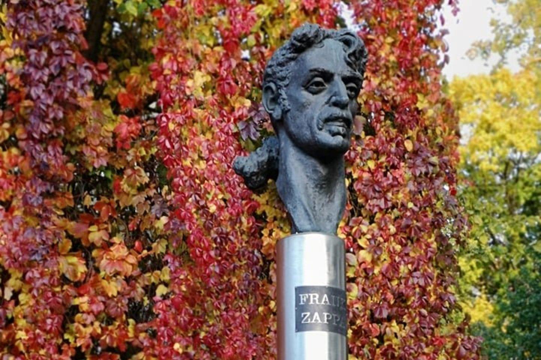frank zappa vilnius monument