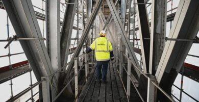 Atlikta daugiau nei pusę ilgiausio ir aukščiausio Lietuvos tilto restauracijos darbų