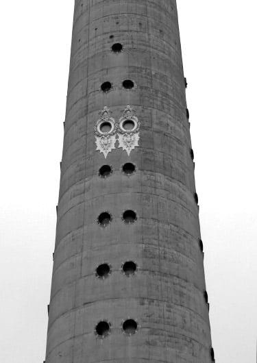 Televizijos bokštas su Šv. Kazimiero bažnyčios lipdiniais, 2014 m.