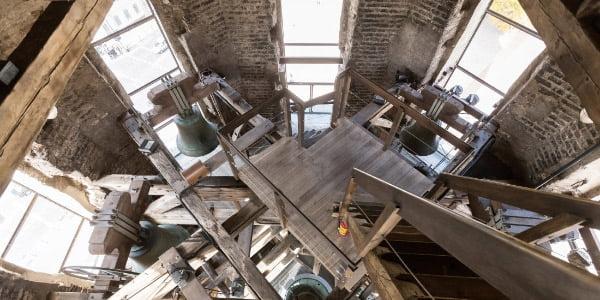 Pro Arkikatedros bazilikos varpinės bokšto angas galima pamatyti sostinės panoramą. G. Bartuškos nuotr.