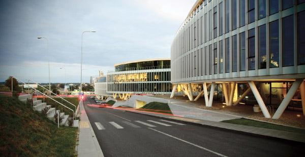 """<b>Nuotraukoje – verslo biurų kompleksas """"Baltic Hearts"""", pernai gavęs AM apdovanojimą negyvenamojo pastato kategorijoje (autoriai – architektai Audrius Ambrasas, Donatas Malinauskas, Mindaugas Reklaitis, Rasa Ambrasienė, Jonas Motiejūnas, Vika Pranaitytė (""""Ambraso architektų biuras"""").</b><br>architektusajunga.lt nuotr."""