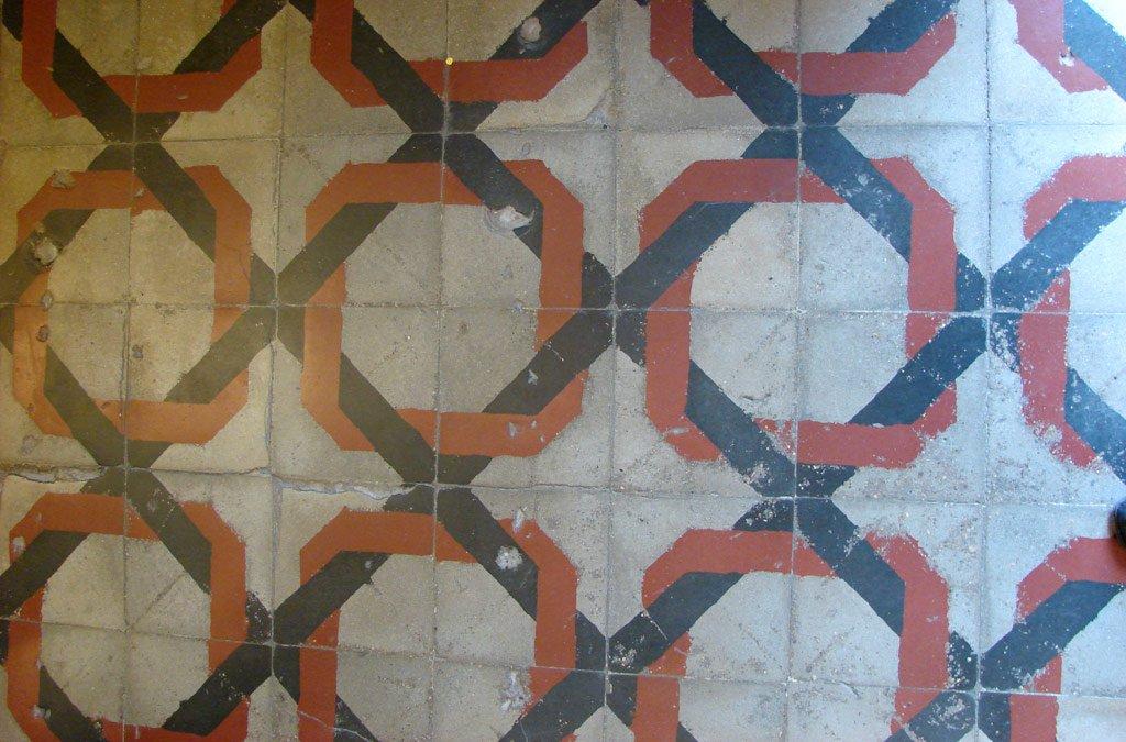 Mozaikinio betono plytelių grindų raštas.