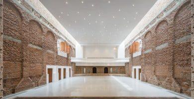Kultūros rūmai Blaj miesto istoriniame centre, Transilvanijos istoriniame regione, Rumunijoje po restauravimo. archipendium.com