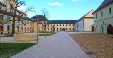 XVIII a. barokinis ansamblis su parku Kuks miestelyje, Hradec Kralovės regione, Čekijoje po tvarkybos darbų 2015 metais. hospital-kuks.cz nuotr.
