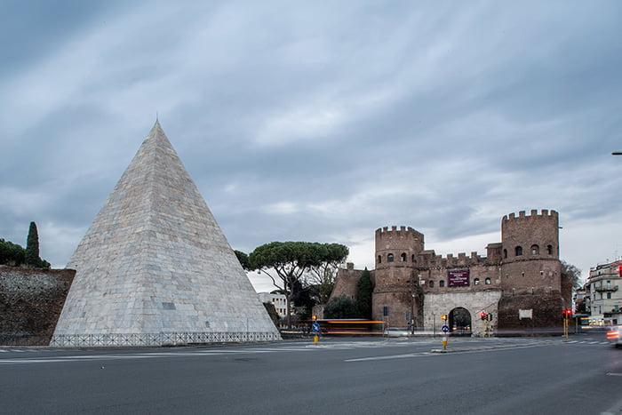 Baltoji piramidė Romoje. musei.beniculturali.it nuotr.