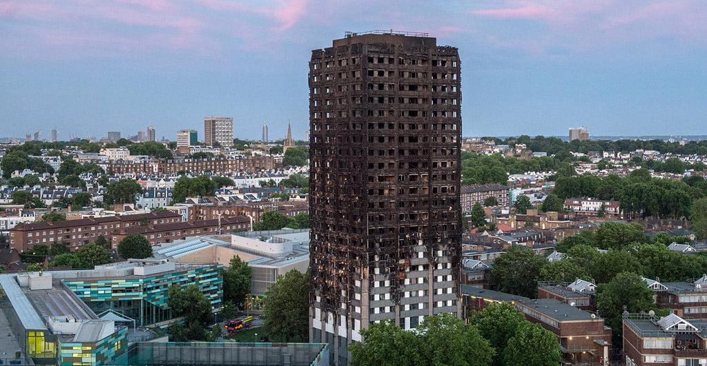 Grenfell bokštas Londone po gaisro. Mazur/catholicnews.org.uk nuotr