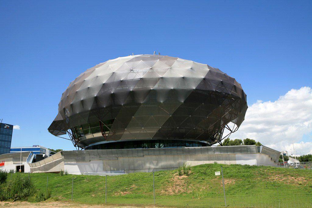 """iGuzzini illuminazione"" būstinė. ""MIAS Architects"", Ispanija."