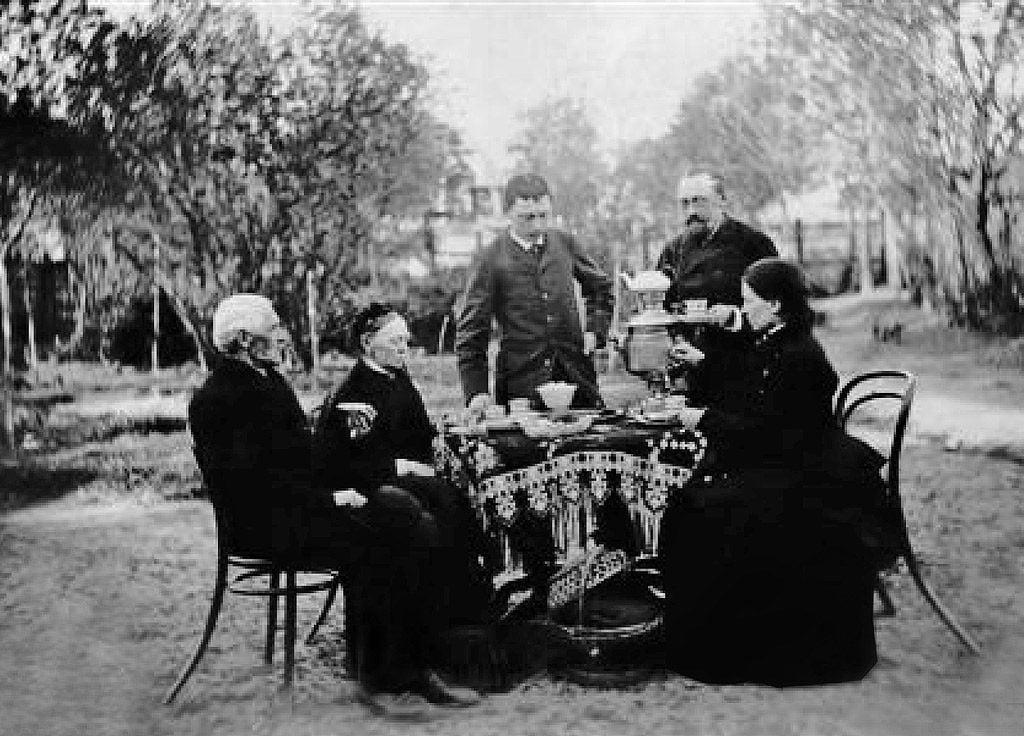 10 pav. Thoneto tipo kėdės Verkių dvare, fot. autorius Johanas Hiksa, 1876 m.