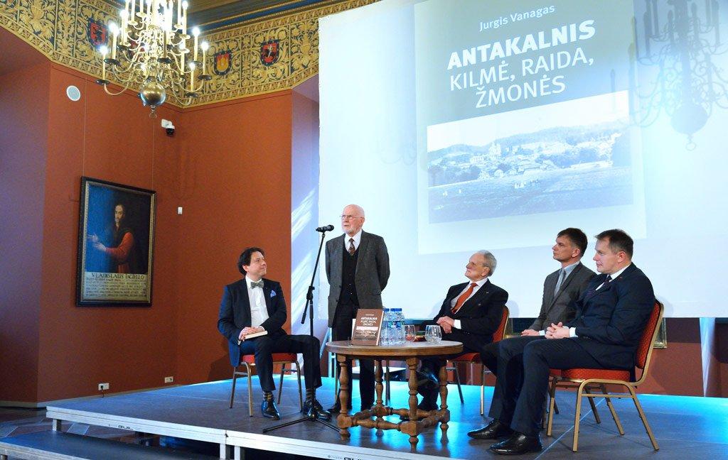 """""""Antakalnis. Kilmė, raida, žmonės"""" – antroji J. Vanago knyga, dedikuota šiam Vilniaus gyvenamajam rajonui."""