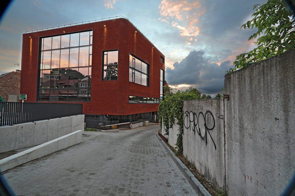 """Biurų pastatas """"Jonavos 30"""" – Kančo studija (arch. Gustė Kančiatė, a.a. Algimantas Kančas, Gediminas Mačiulis)."""