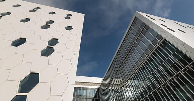 NFTMC fasadas. E. Kurausko nuotr.