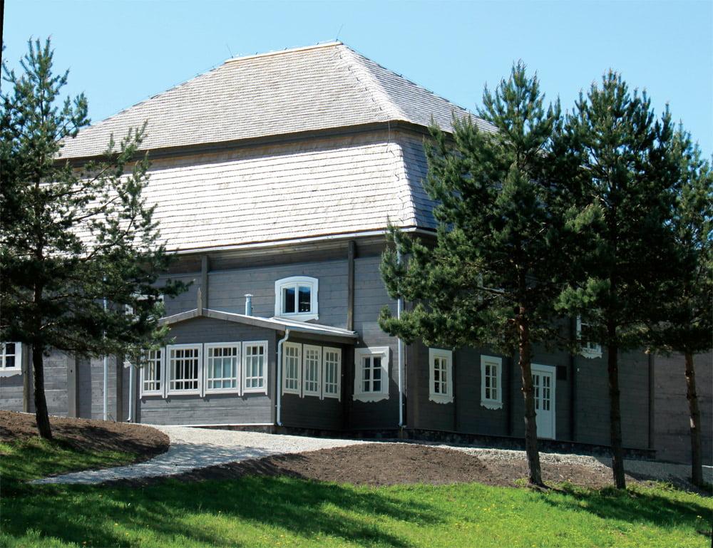 Maldos namai – pereinamųjų iš baroko į klasicizmą formų.