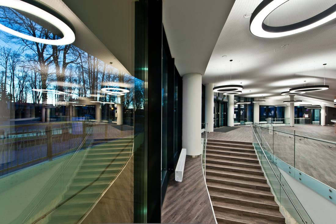 Koncertų salė - šiuolaikinė specializuota koncertų ir masinių renginių erdvė.
