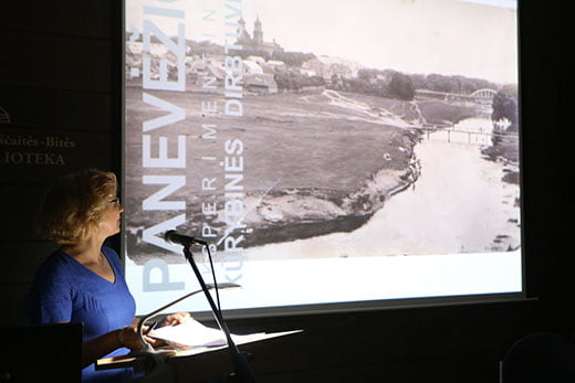 Eksperimentinių kūrybinių dirbtuvių uždarymas Darbo pristato arch. Loreta Paulauskienė.