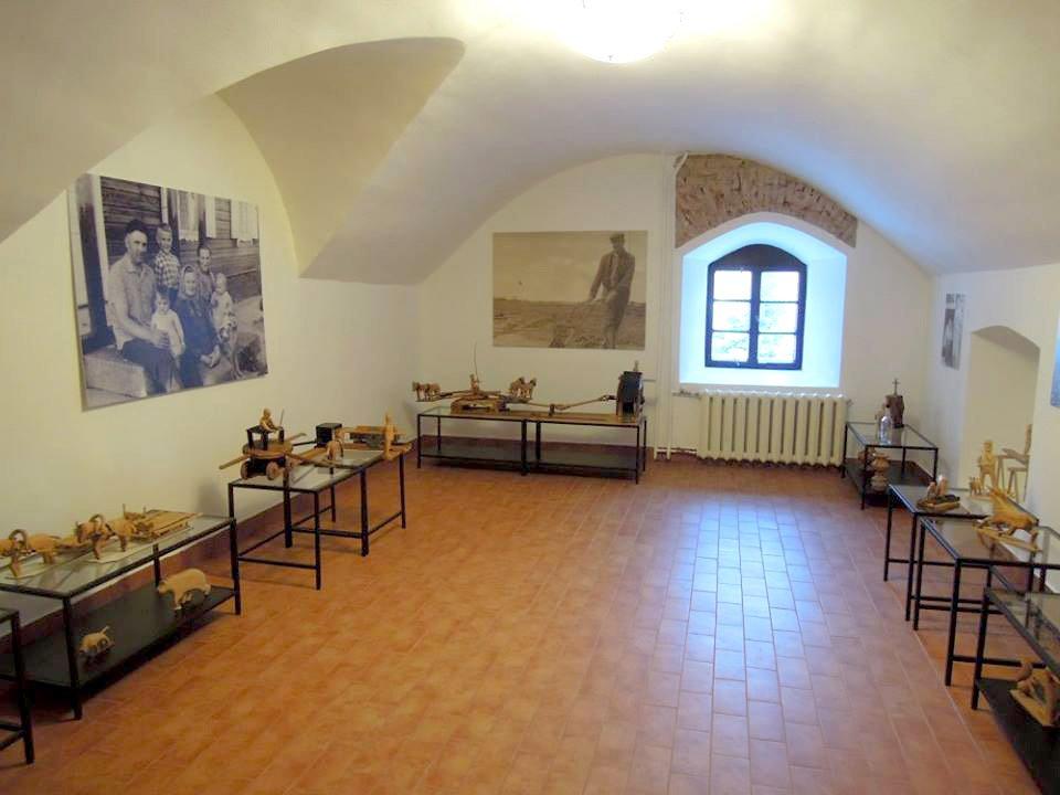 Minint Bendruomenių metus, viena iš mažųjų Lietuvos kultūros sostinių – Alanta – 2016 metus pradėjo atverdama sutvarkytus Alantos dvaro rūsius, kuriuose įsikūrė amatų centras.