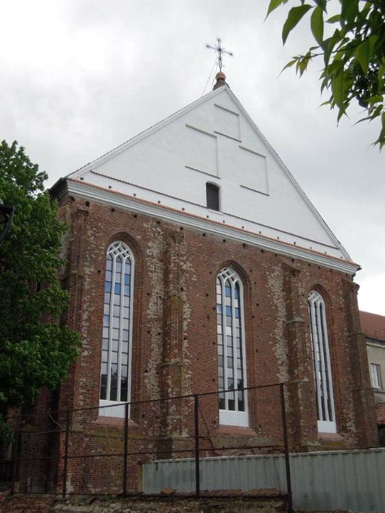 Užbaigtas dar vienas tvarkybos darbų etapas, neatpažįstamai pasikeitė ir vėl nušvito Kauno bernardinų Šv. Jurgio bažnyčia.