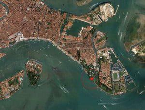 Sklypo vieta Venecijoje.